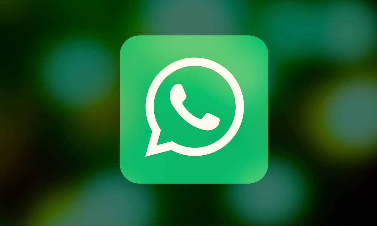 How Facebook Will Earn Money From Whatsapp?