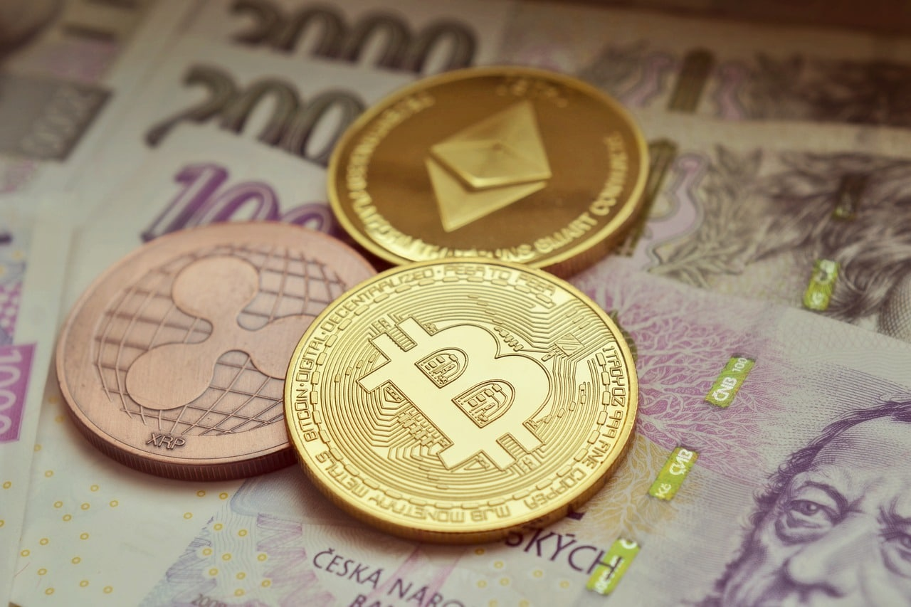 Bitcoin falls further below US$4000; crypto continues plunge